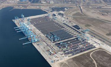 400 rozdzielnic produkcji ZPUE zasila główną bramę handlu w Europie!