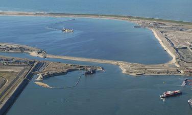 Ponad 400 naszych rozdzielnic zasili największy port kontenerowy w Europie